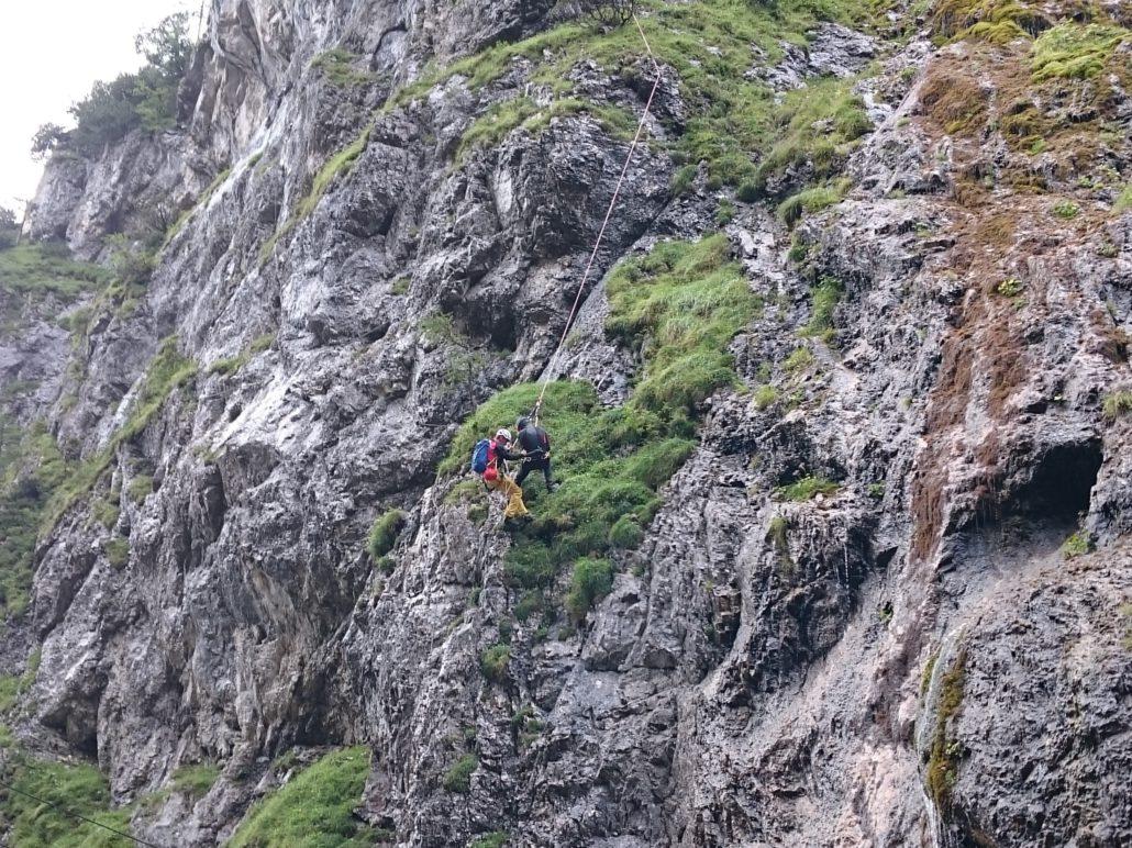 Klettersteig Eitweg : Bergrettung ramsau bergung klettersteig rosina